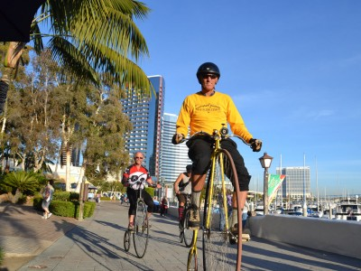 "Dos ""penny-farthing"" en San Diego, California"