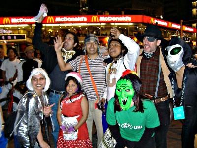 Versión 2010 de la Masa Crítica de Halloween (crédito de foto: Cicloaxión)